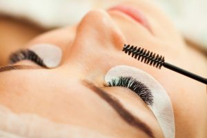Complete guide to eyelashes extensions